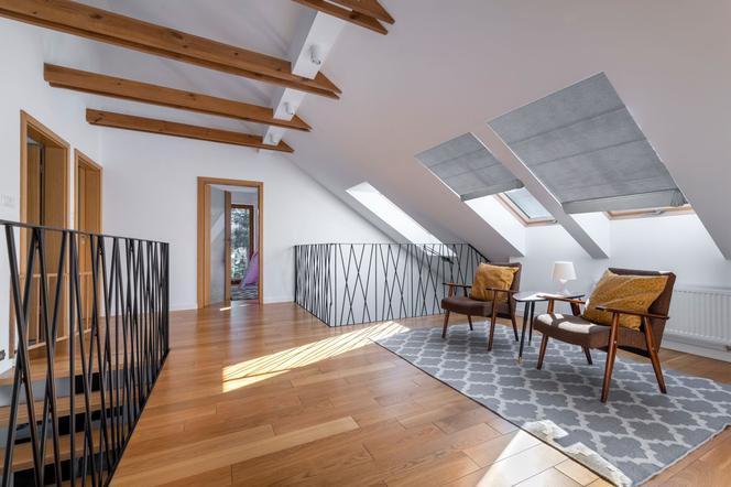 Koszt okien elewacyjnych i dachowych na poddasze