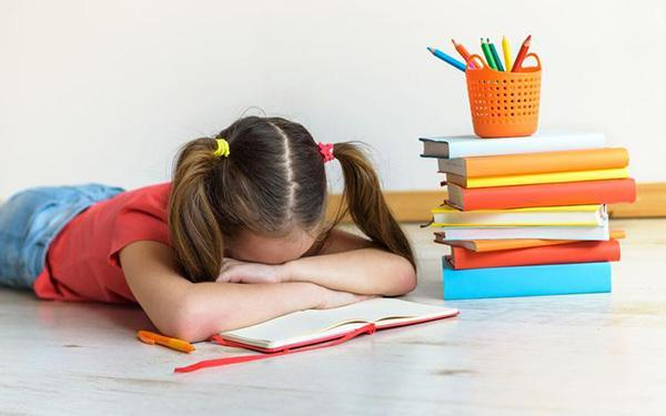 Co zrobić, gdy dziecko nie chce odrabiać lekcji?