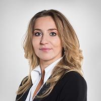 <div><h2>Ewa Latkowska</h2> <h3>Prezes Zarządu ZPR Media SA</h3> <p class='text'>Dołączyła do Grupy ZPR Media w październiku 2016 roku. Wcześniej przez 20 lat pracowała w Telewizji Polskiej, jako m.in. p.o. dyrektora Programu 2.</p></div> zdjęcie